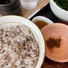 オヤジーは健康意識して五穀米
