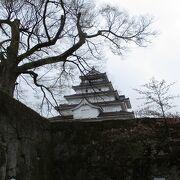 春の鶴ヶ城(若松城)