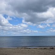雨晴海岸から5キロ程度離れた海岸