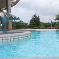 プールは温水で気持ちいいです
