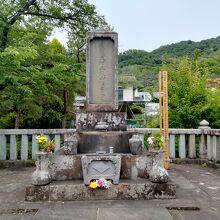 武田信玄公墓
