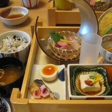 遊食御膳、こんなに豪華で980円とは驚きです!