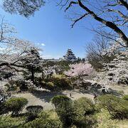 鶴ヶ城を擁する大きな公園