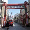 大木戸がある商店街です。