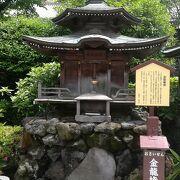 浅草寺境内です。