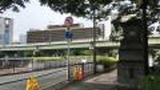 堂島川に架かる橋