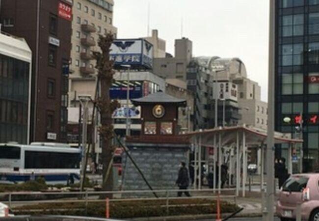 成田駅前の新しいからくり時計