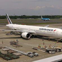 KLMオランダ航空機、タキシングへ