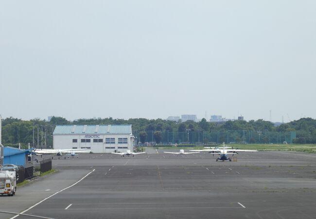 飛行機が見えます