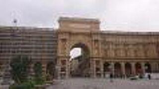 レプッブリカ (共和国) 広場 (フィレンツェ)
