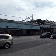 新高島平駅と志村三丁目駅の間は、高架化されていて、周辺の街並みを眺めるのに良い