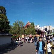 境内の日本風建築物は、とても美しく豪華