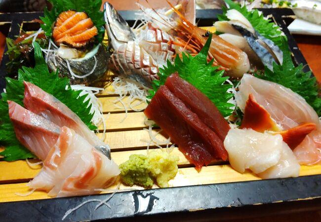 リーズナブルで美味しい寿司屋で午後飲み