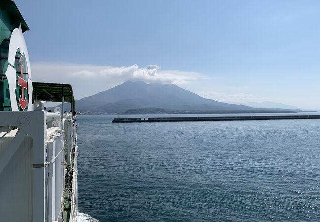 桜島を見ながらプチ船旅