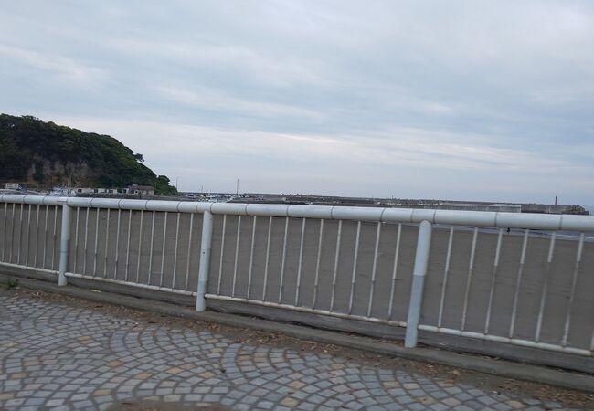 腰越の海岸