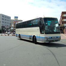鶴の柄ではないバスもありました
