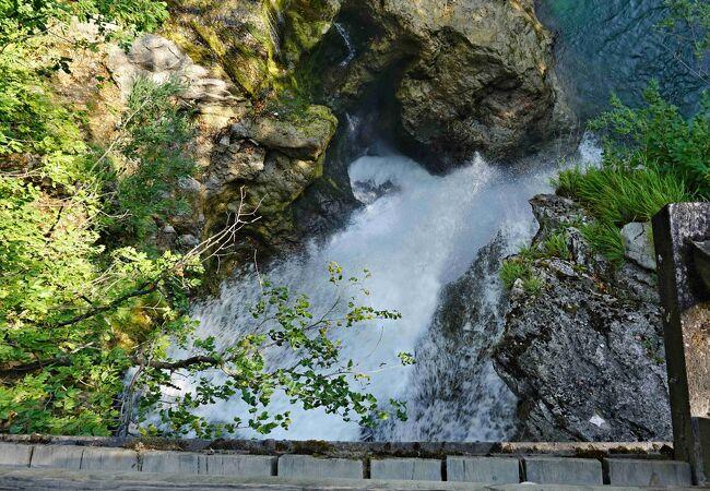 ブレッド湖に行く前に立ち寄りたい涼しい渓谷