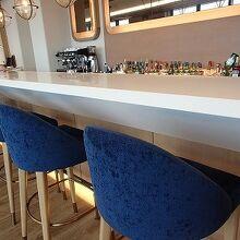 レストラン&バー Larboard