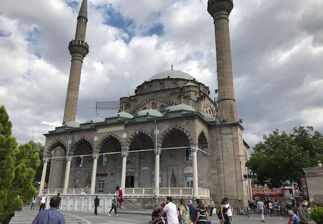 ブリュンズモスク