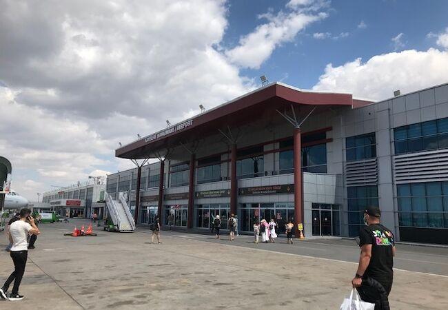 カイセリ空港 (ASR)
