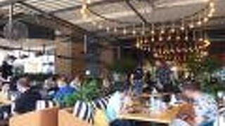 ハッピームーンズ カフェ (イズミール オプティマム)