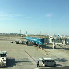 機体、藍色をベースにしていてかっこいい