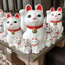 世田谷線 宮の坂からすぐ 招き猫の世界へ