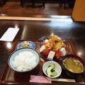 中華奴定食は鶏から+冷ややっこが入っていて、さっぱり美味しく頂けます。