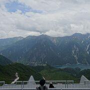 展望台を出た瞬間、北アルプスの山々が目の前に