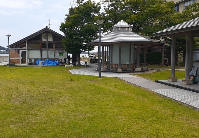 湯の元公園