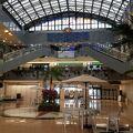 ステンドグラスが綺麗な空港