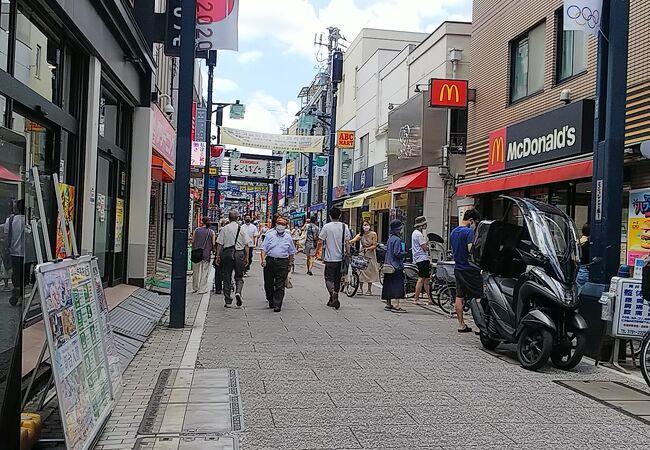 長~い商店街