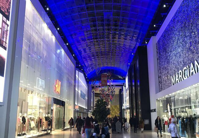 ヨークデールショッピングセンター