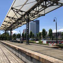 旧横浜港駅 プラットホーム