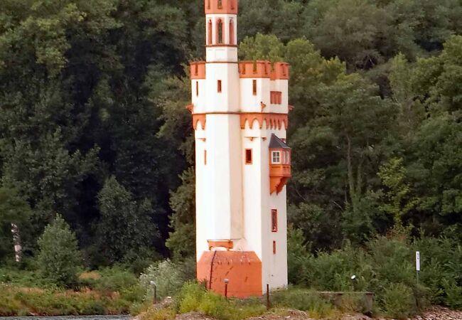 灯台のような「ねずみの塔」