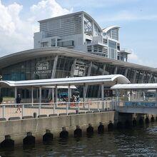 中突堤中央ターミナル (かもめりあ)