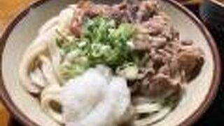 江戸時代の建物で食べる冷肉ぶっかけ