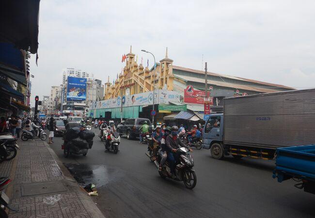 タンディン市場