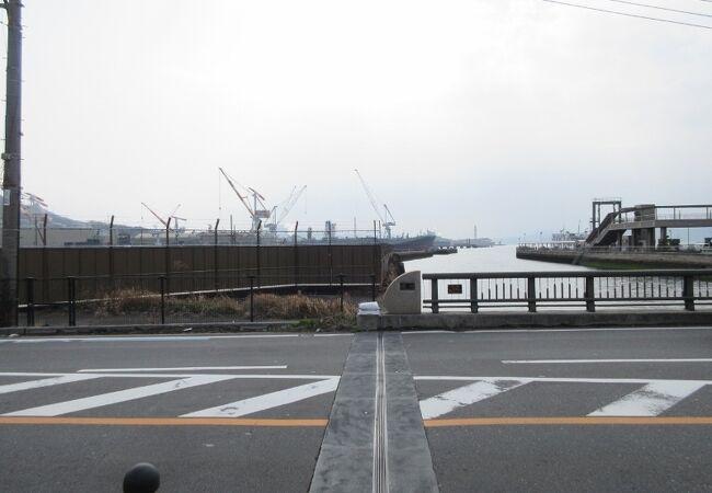 造船所が思い浮かぶ