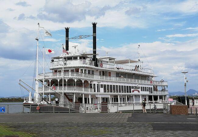 琵琶湖巡り遊覧船ミシガン