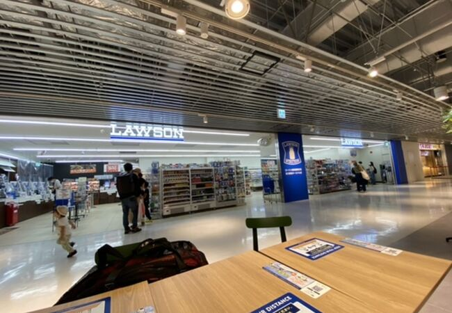 ローソン (成田国際空港第3旅客ターミナルビル店)