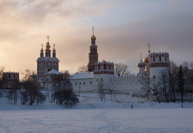 ノヴォデヴィチ女子修道院群