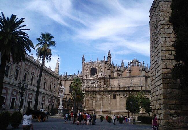 セビージャの大聖堂、アルカサルとインディアス古文書館
