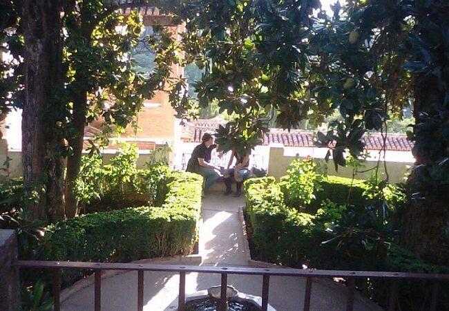 ヘネラリーフェ庭園