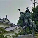 戸田氏鉄公騎馬像