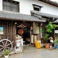 創業270年の舟屋の酒蔵で造るロゼワインのような赤いお酒が人気