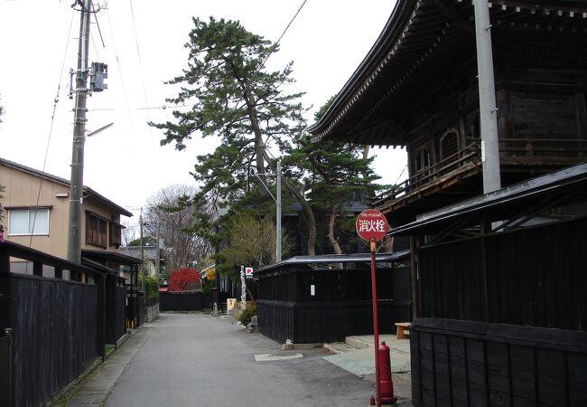 安善小路 (黒塀通り)