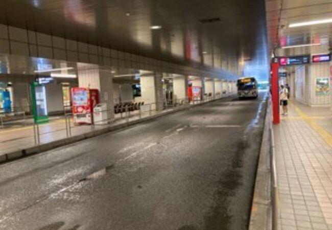 横浜駅東口バスターミナル