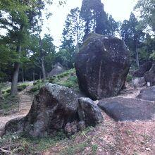 金山巨石群(岩屋岩蔭遺跡)