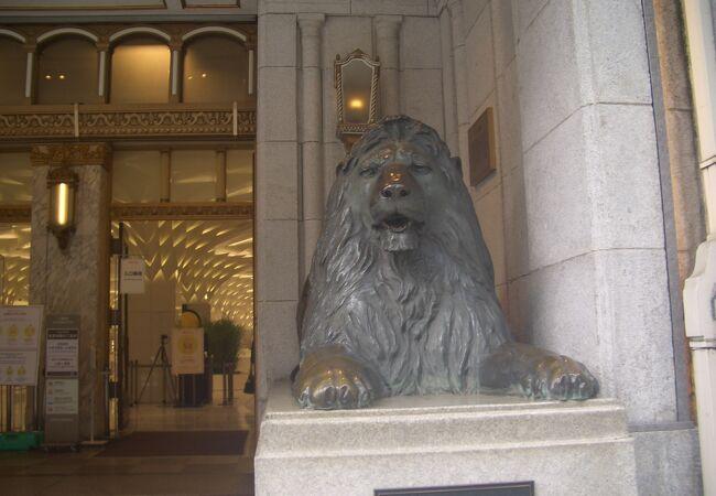 ライオン像 日本橋三越店